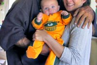 Kevin Gage & Shannon Perris-Knight with their son Ryder - May 2007